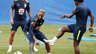 Russia 2018: Neymar si allena a Sochi