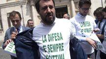 Matteo Salvini, con i deputati del partito nel 2017 (Ansa)