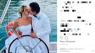 """Francesca Barra e Claudio Santamaria, matrimonio romantico in spiaggia. Le foto del """"sì"""""""