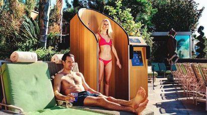 La cabina SnappyScreen che ti mette la crema solare - Foto: instagram/snappyscreen