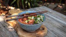 Il poke hawaiano, un piatto fresco e leggero - Foto: LagunaticPhoto/iStock