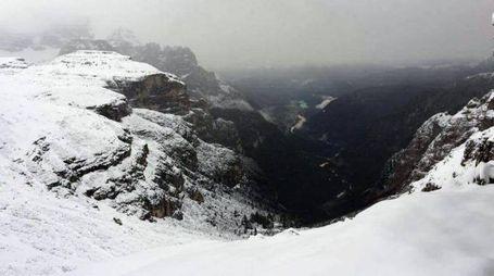 Meteo, neve in arrivo sulle Alpi. Foto: Rifugio Auronzo, Tre Cime di Lavaredo (Ansa)