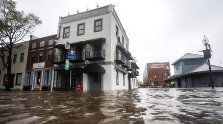 Le inondazioni dell'uragano Florence (Ansa)