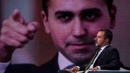 Matteo Salvini, sullo sfondo Luigi Di Maio (Imagoeconomica)