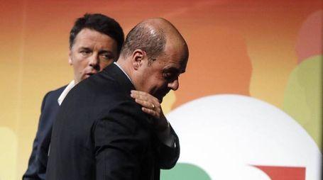 Matteo Renzi con Nicola Zingaretti (Ansa)