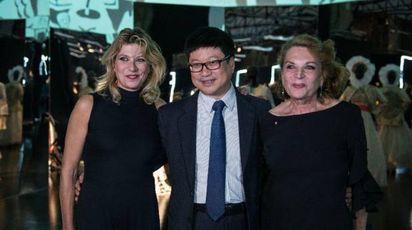 Gigliola e Raffaella Curiel e Zhao Yizheng (RedStone)