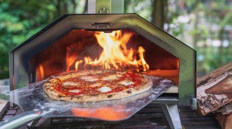 Un produttore di forni portatili assume assaggiatori di pizza - Foto: instagram/oonihq
