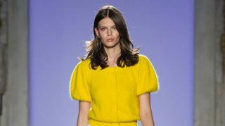 Milano Moda, da Luisa Spagnoli il colore accende l'estate 2019