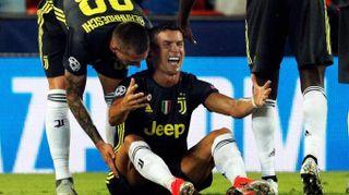 Valencia-Juventus, espulso Ronaldo. Le lacrime di CR7