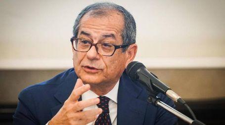 Il ministro dell'Economia, Giovanni Tria (Ansa)