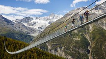 Il ponte Charles Kuonen Hangebrucke, lungo 494 metri - Foto: PHOTOVF.COM/VALENTIN FLAURAUD