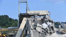 Il ponte Morandi di Genova dopo il crollo (Ansa)