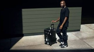 Rimowa punta su Abloh e mette il futuro in una valigia (trasparente)