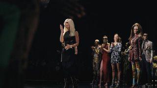 Sfilata Versace, liberi di esprimersi e di osare