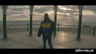 """""""E' sempre bello"""", il nuovo singolo di Coez: il video"""