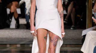 Asia Argento, modella per Antonio Grimaldi. A Parigi sfila il mito di Arianna