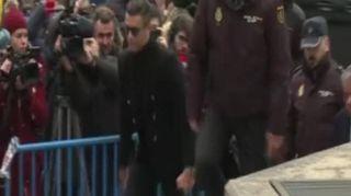 Cristiano Ronaldo e Xabi Alonso arrivano in tribunale a Madrid