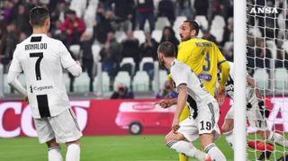 Serie A, anticipo in discesa per la Juve