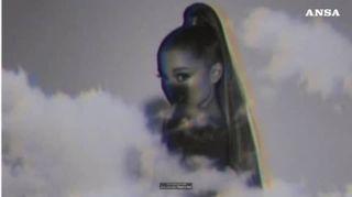 Ariana Grande si prende tutto il podio