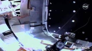 Passeggiata spaziale per rimpiazzare delle batterie sulla ISS