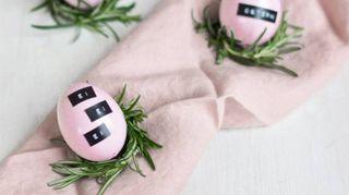 Pasqua: segnaposto fai da te per una tavola minimalista