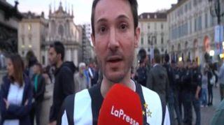 Torino, tifosi juventini in piazza San Carlo per l'ottavo scudetto di fila
