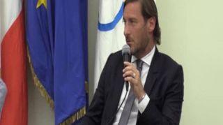 """Calcio, Totti lascia la Roma: """"Oggi potevo anche morire"""""""