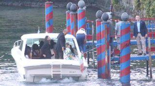 Obama sul lago di Como, gita in motoscafo con Clooney e famiglie