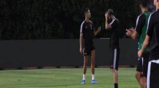 Juve a Singapore, primi allenamenti per De Ligt. Super gol di tacco di Cr7