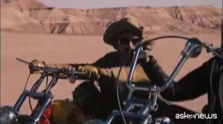 """Addio a Peter Fonda, la star di """"Easy Rider"""" aveva 79 anni"""