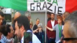"""Salvini: a Milano sorrisi, selfie e la gufata, """"Il derby? Lo vince di sicuro l'Inter"""""""
