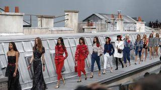 Parigi, la sfilata di Chanel