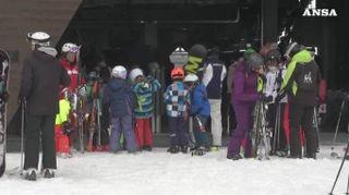 Il Coronavirus non ferma lo sci sulle Dolomiti
